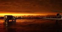 Chmury burzowe nad lotniskiem Midway