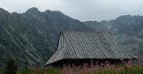 Chatka na tle Orlej Perci - Granaty
