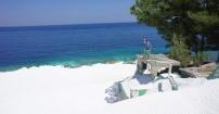 Marmurowa plaża w Grecji