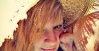 Słońce na randce z miłością w kapeluszu